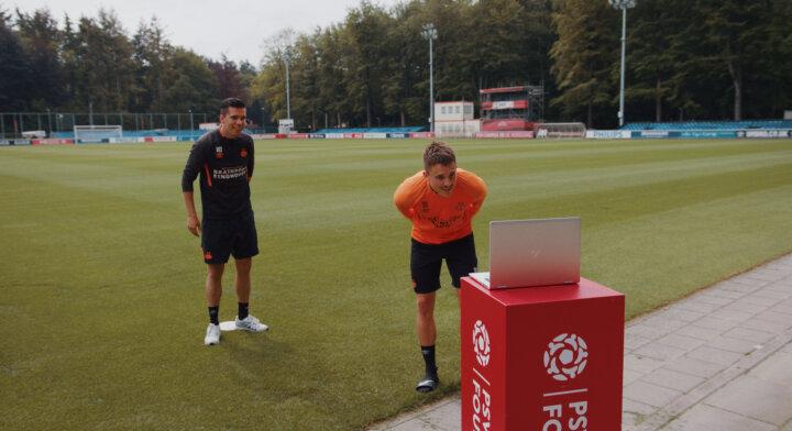 Ryan Thomas verrast PSV OldStars tijdens online training