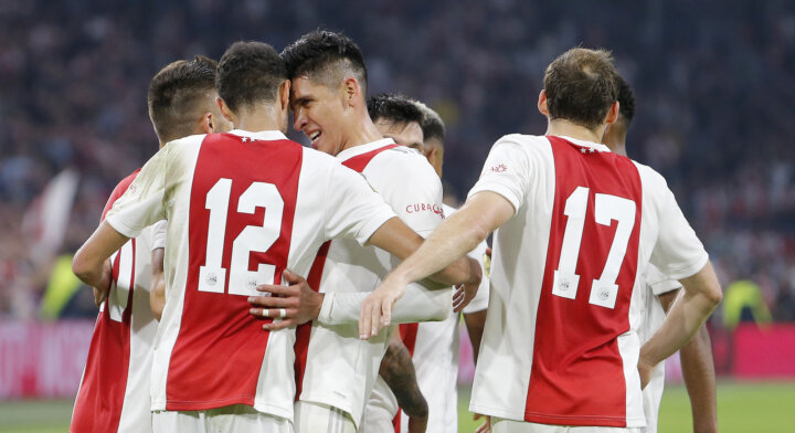 Ajax with Tadić and full defence provides most players for Team of the Month