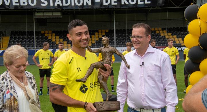 Giakoumakis ontvangt eerste Willy van der Kuijlen-trofee